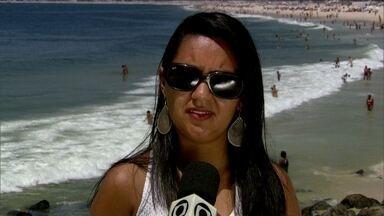 População tira dúvidas quanto à poluição das praias do Rio - As convidadas tiraram dúvidas quanto à maior preocupação dos banhistas: espuma que apareceu nas praias do Rio.