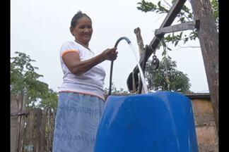 Veja como é a situação da distribuição da água no interior do estado - Em muitos municípios é necessários que os próprios moradores armazenem água.