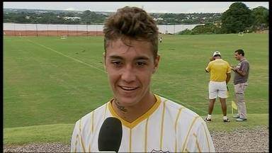 Filho de Romário pode ganhar chance no Brasiliense - Atacante Romarinho não foi relacionado nos dois primeiros jogos e deve jogar na terceira rodada.