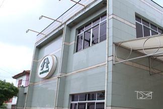 Usuários da Unimed São Luís ainda têm dúvidas quanto a portabilidade para outros planos - A três dias da empresa fechar as portas, muita gente foi até a sede do plano para tirar dúvidas e fazer reclamações.