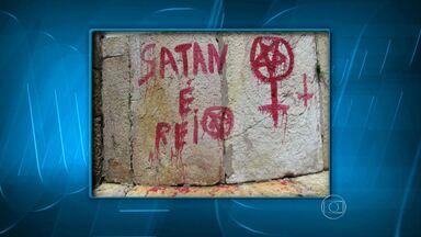 Igrejas de Ouro Preto, em MG, são pichadas com referências satânicas - Monumentos históricos são tombados pelo Iphan.