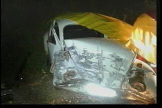 Acidente deixa seis feridos e uma pessoa morta na RS 467 - Dois carros colidiram próximo a Vila Campos em Tapejara.