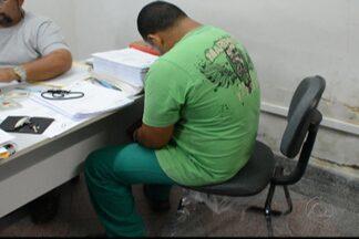 Motorista de caminhão é preso em João Pessoa com cocaína - Segundo informações da Polícia Civil, o motorista e o carona foram presos com 150 gramas da droga.