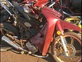 Passageira de moto morre em batida na BR 277 - O piloto ficou ferido. O acidente foi no pedágio de São Miguel do Iguaçu.