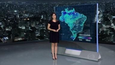 Fevereiro começa com temperaturas bem altas em todo o Brasil - Neste sábado (1º), pode fazer 31ºC em Salvador, 32ºC em Manaus e em Curitiba. Em São Paulo e Ceará, a máxima é de 35ºC. No Rio, de 39ºC.