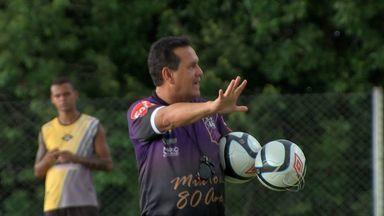 Éder Taques é apresentado como novo treinador do Mixto - Éder Taques é apresentado como novo treinador do Mixto.