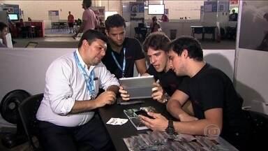 Campus Party 2014 promove encontros entre empreendedores e inventores - Em São Paulo, acontece a sétima edição da Campus Party. Muitos investidores vão ao evento de olho nas novidades criadas pelos integrantes da feira para colocar o seu dinheiro.