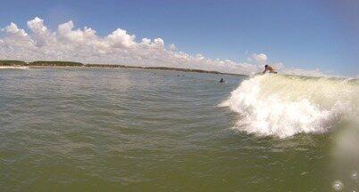 Em Movimento: Verão Aracruz - Parte 3 - Na terceira parte da matéria pelo litoral norte do ES, registramos com a gopro algumas imagens de surf com standup. Ficou curioso(a)? Veja aqui!