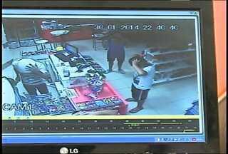 Funcionários e clientes são rendidos em assalto à Posto de SM - O assalto ocorreu em um posto na Avenida Walter Jobim, no bairro Patronato. Os assaltantes estavam armados