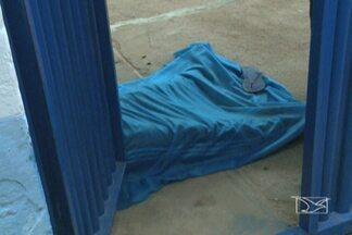 Polícia investiga o assassinato de um homem em uma escola na Cidade Olímpica - Vítima é um ex-presidiário que trabalhava como auxiliar de serviços gerais no colégio.