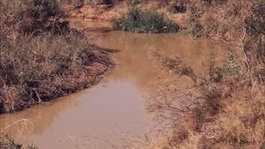 Com diminuição do volume do Rio Jordão, lugar onde Jesus foi batizado parece um riacho - O sagrado Rio Jordão, que os antigos chamavam de Jardim de Deus, já teve um volume de águas 50 vezes maior. Muitas partes que eram rio, agora são pura erosão.