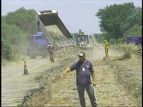 Trecho da BR-472 entre Itaqui e São Borja, no RS, passa por manutenção - Procedimento exige atenção dos motoristas.