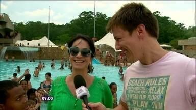 Patrulha nas piscinas ! Veja dicas para não fazer feio no verão - O repórter Felipe Suhre e a especialista Claudia Matarazzo conferiram as piscinas
