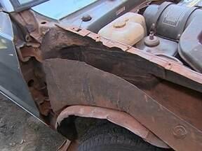 Polícia apreende 100 kg de maconha dentro de lataria de veículo - Polícia apreende 100 kg de maconha dentro de lataria de veículo