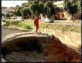 Moradores de Governador Valadares sofrem com problemas causados pela chuva - Transtornos foram causados pelas chuvas de 2013.