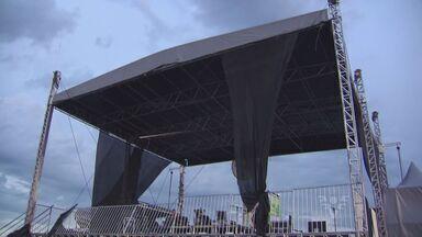 Mau tempo causa tumulto durante show gospel - Chuva e ventania causou confusão durante evento no Emissário Submarino