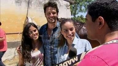 Camilla Camargo e Nando Rodrigues falam sobre cenas com cavalos - Vídeo Show registra bastidores da gravação de 'Em Família'