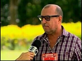 """Jornalista Xico Sá participa do projeto 'Sempre um Papo' em Araxá - Projeto faz parte do circuito """"CBMM de Cultura"""". Projeto busca aproximar a comunidade dos escritores."""