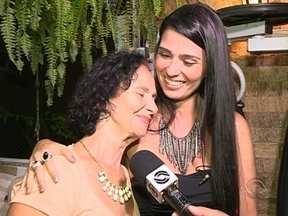 Reencontro entre mãe e filha ocorre em Florianópolis 35 anos após se separarem - Reencontro entre mãe e filha ocorre em Florianópolis 35 anos após se separarem.