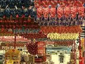 Supermercados antecipam as vendas de ovos de páscoa - Ainda faltam quase dois meses para a páscoa, mas os supermercados já estão cheios de ovos de chocolate.