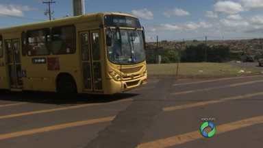 Londrina quer ter direito ao mesmo subsídio de Curitiba para o transporte coletivo - O prefeito Alexandre Kireeff disse que já está em andamento o trabalho para integrar o transporte da região metropolitana de Londrina, condição para a cidade também ter direito ao subsídio.