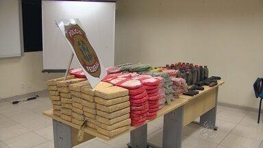 No AM, policial é detido com 315 kg de drogas - Entorpecente foi encontrado em caminhonete, perto da Ponte Rio Negro; chefe de delegacia do município de Tonantins foi encaminhado para PF.
