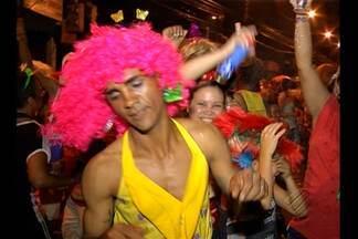 Blocos de rua empolgaram foliões em Belém - Blocos de rua empolgaram foliões em Belém