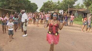Comunidade do Distrito do Coração promove programação de carnaval - NO DISTRITO DO CORAÇÃO A COMUNIDADE TAMBÉM PROMOVEU UMA PROGRAMAÇÃO DE CARNAVAL. É UM CARNAVAL ALTERNATIVO COM FUTEBOL A FANTASIA E BLOCO NAS RUAS.