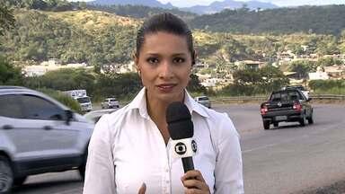 BR-381 tem fluxo de veículos mais movimentado nesta quarta-feira - A estrada liga Belo Horizonte ao Espírito Santo. Na altura de Sabará, o tráfego apresentava mais veículos na manhã.