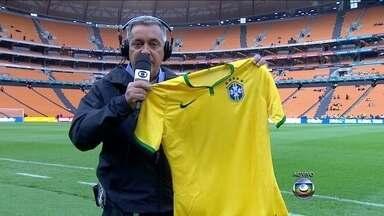 Seleção Brasileira estreará duas novas camisas em amistoso contra a África do Sul - Fernandinho e Rafinha serão as novidades do Felipão para o jogo.