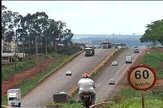 PRF flagra mais de 2 mil motoristas em excesso de velocidade nas rodovias de Rio Verde - Multas foram aplicadas durante o feriado de carnaval nas rodovias federais que passam pela cidade.