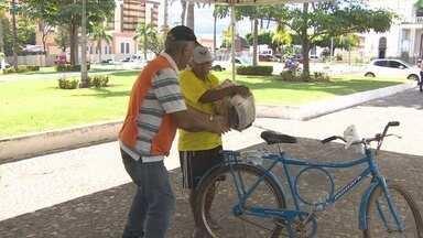 Serviço de atendimento com cestas básicas continua - O trabalho que não pode parar em favor dos desabrigados do Rio Madeira.