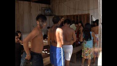 Índios reclamam de precariedade na saúde em Sinop (MT) - Índios da região norte reclamam de precariedade na saúde em Sinop.