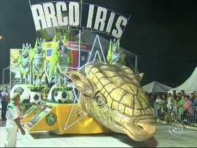 Com enredo sobre a Copa do Mundo, Arco-Íris é campeã do carnaval em Jundiaí - Escola falou sobre a paixão do brasileiro sobre futebol e, após apuração com algumas discussões, foi declarada a vencedora do desfile de 2014.