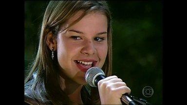 Do baú: Fernanda Souza canta hit do rock nacional na temporada 2001 de Malhação - Reveja cena do início da carreira da atriz