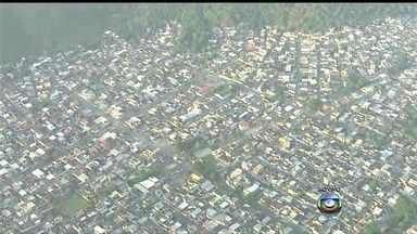 Clima é tenso na região da Villa Kennedy, no Rio - Moradores de Vila Kennedy vivem expectativa da chegada da UPP. A polícia vai ocupar a comunidade na próxima quinta-feira (13). Segundo os moradores, os tiroteios no local são constantes.