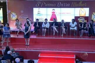 """Dez mulheres baianas que se destacam na sociedade são premiadas em shopping de Salvador - Este ano o prêmio Barra Mulher teve como tema """"MUlheres que promovem a felicidade""""."""