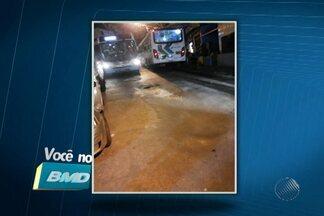 Moradores enviam fotos de buracos em bairros de Salvador - Telespectadores do bairro enviaram informações e fotos da situação, através do quadro 'Vc no BMD'.