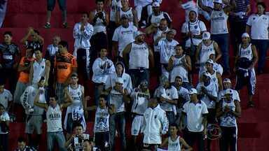 Torcida do Galo cruza a fronteira pra assistir ao empate com Nacional no Paraguai - Torcida do Galo cruza a fronteira pra assistir ao empate do Galo com Nacional no Paraguai