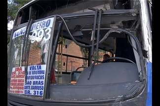 Via expressado BRT registra terceiro acidente envolvendo ônibus em apenas dois dias - Via expressado BRT registra terceiro acidente envolvendo ônibus em apenas dois dias.