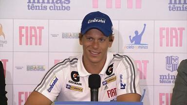 Cesar Cielo é apresentado como no reforço do Minas - Recordista olímpico e mundial assinou contrato por três temporadas. Atleta está recuperado de cirurgia no joelho.