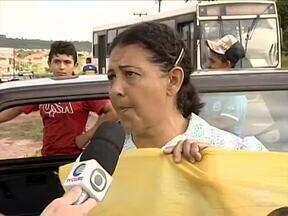 Moradores do Vale do Gavião fizeram manifestação por melhores condições de transportes - Moradores do Vale do Gavião fizeram manifestação por melhores condições de transportes