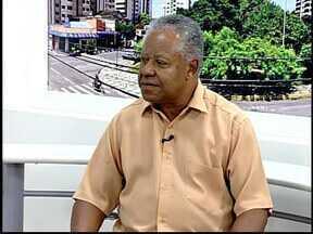Jornalista de Divinópolis lança livro na Câmara Municipal - 'Âmago' é segunda obra do escritor e reúne seleção de crônicas.