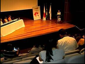 Programa 'Minas Território da Cultura' é lançado em Araxá - Representantes das cidades do Alto Paranaíba participam do evento para se informarem sobre etapas do programa.