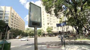 Briga judicial deixa relógios de rua desligados em BH - Nova licitação deve ser feita