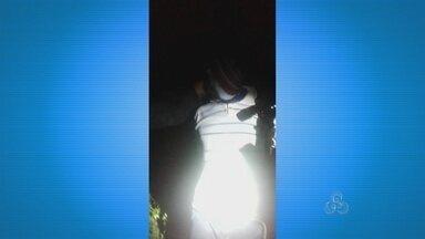 Homens assaltam sítio e levam caseiro como refém - No fim da tarde desta quinta-feira, cinco homens assaltaram um sítio na Rodovia do Curiaú e levaram o caseiro como refém. Ele foi encontrado pelo Bope por volta de meia noite.