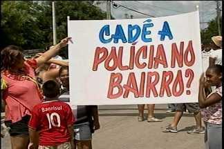 Moradores do residencial Eldorado protestam - Durante manifestação, a rua foi bloqueada para o trânsito de veículos