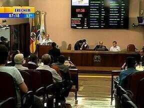 Declaração de vereador causa polêmica em Caxias do Sul, RS - Ele teria dado a entender que seria contra a ida de senegaleses e haitianos para o município.