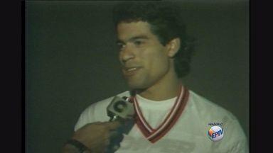 Ex-jogador Raí dará pontapé inicial em jogo de Botafogo-SP e São Paulo - Ídolo que jogou pelas duas equipes deve ser homenageado no dia da partida.
