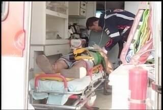 Homem fica ferido em um acidente na BR-251, próximo a Montes Claros - Vítima ficou presa às ferragens.